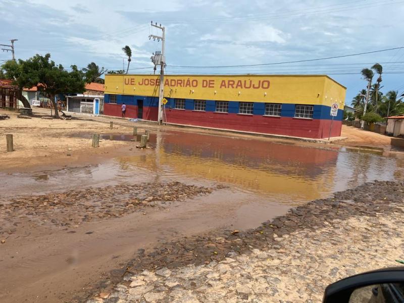 CAJUEIRO DA PRAIA: pequena chuva já causa transtornos para população !!
