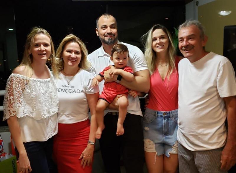 Vereador Reeleito  Gilson Medeiros e Família agradece o apoio recebido pelas Famílias de União.
