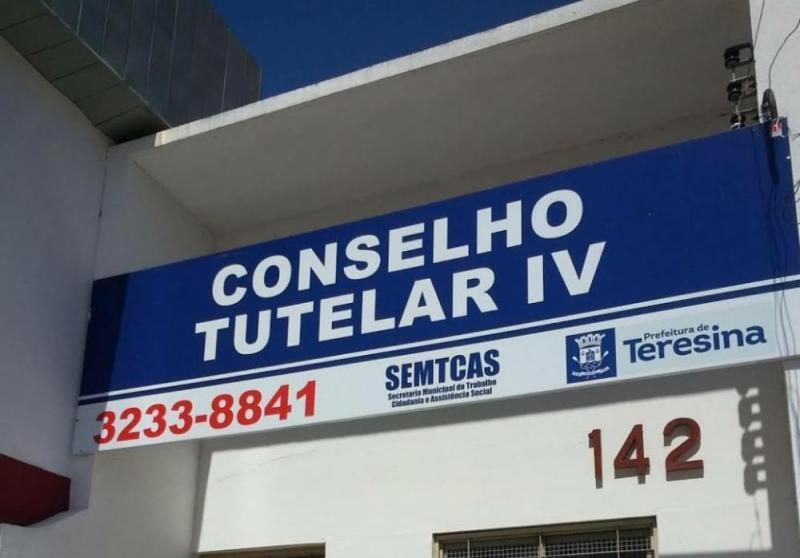 Menino de 7 anos é estuprado por amigo do pai em campo de futebol no Piauí