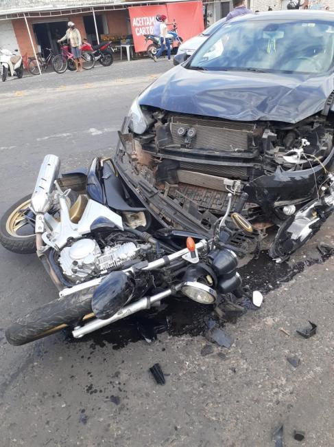 Motociclista fica gravemente ferido após ser atropelado por veículo no Mocambinho