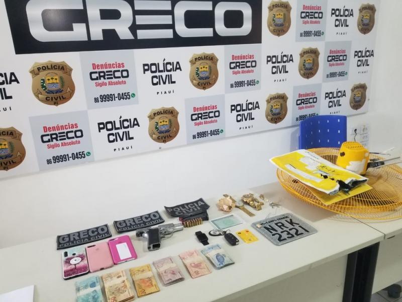Suspeito de roubos a banco é preso na casa da namorada pela polícia em Teresina