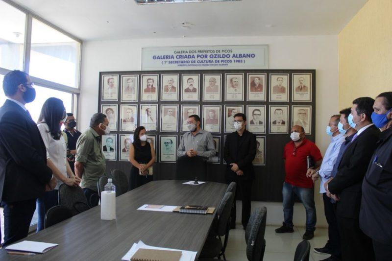 Equipes de transição se reúnem para discutir troca de governo municipal
