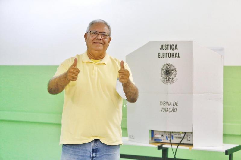 Ao votar, Kleber Montezuma agradece apoiadores: