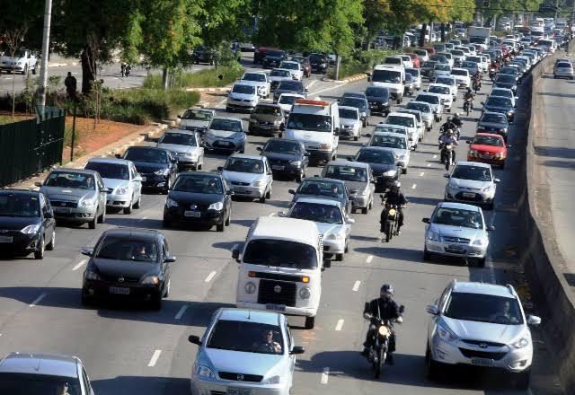 Nova função do Uber vai impedir motorista de dirigir por mais de 12 horas
