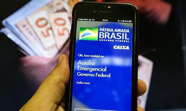 Caixa paga R$ 1,2 bi de auxílio emergencial a nascidos em julho