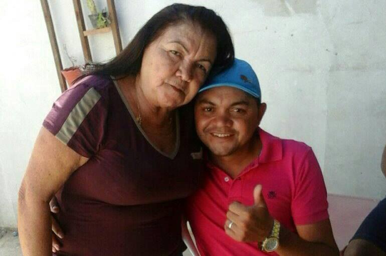 Mãe sofre infarto e morre ao saber do falecimento do filho, no Nordeste