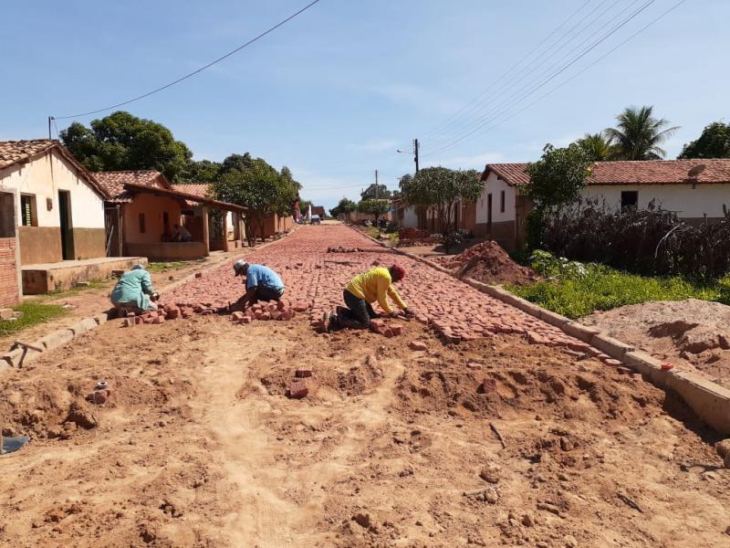 Rua Rondonista recebe pavimentação em Paralelepípedo em Redenção do Gurguéia