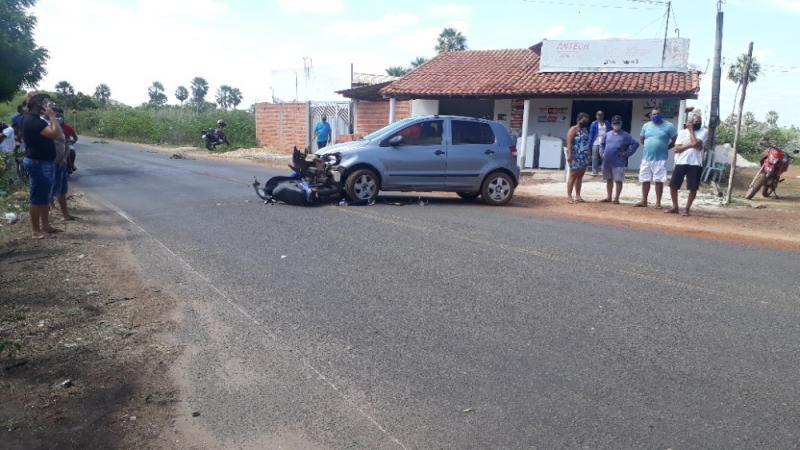 Mãe e filha sofrem grave acidente envolvendo moto e carro em cidade do Piauí