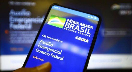Governo vai cobrar por SMS que 2,6 mi devolvam auxílio emergencial
