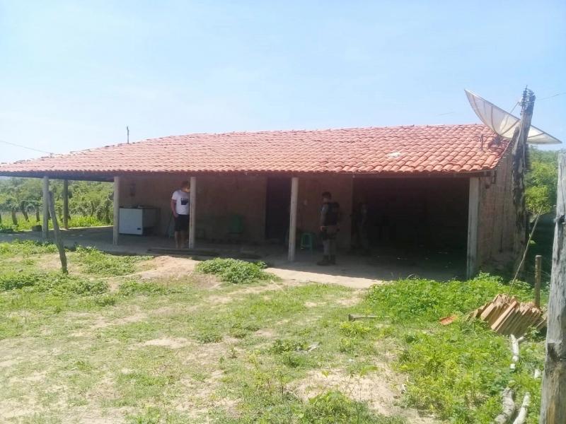 Homem é preso acusado de matar pai adotivo a tiros no Piauí