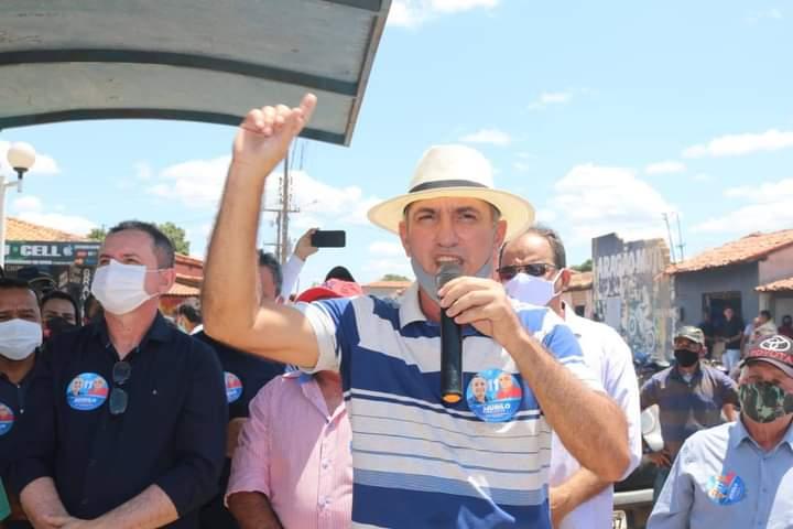 Prefeito Oscar Bandeira finaliza segundo mandato com 100% de salários pagos