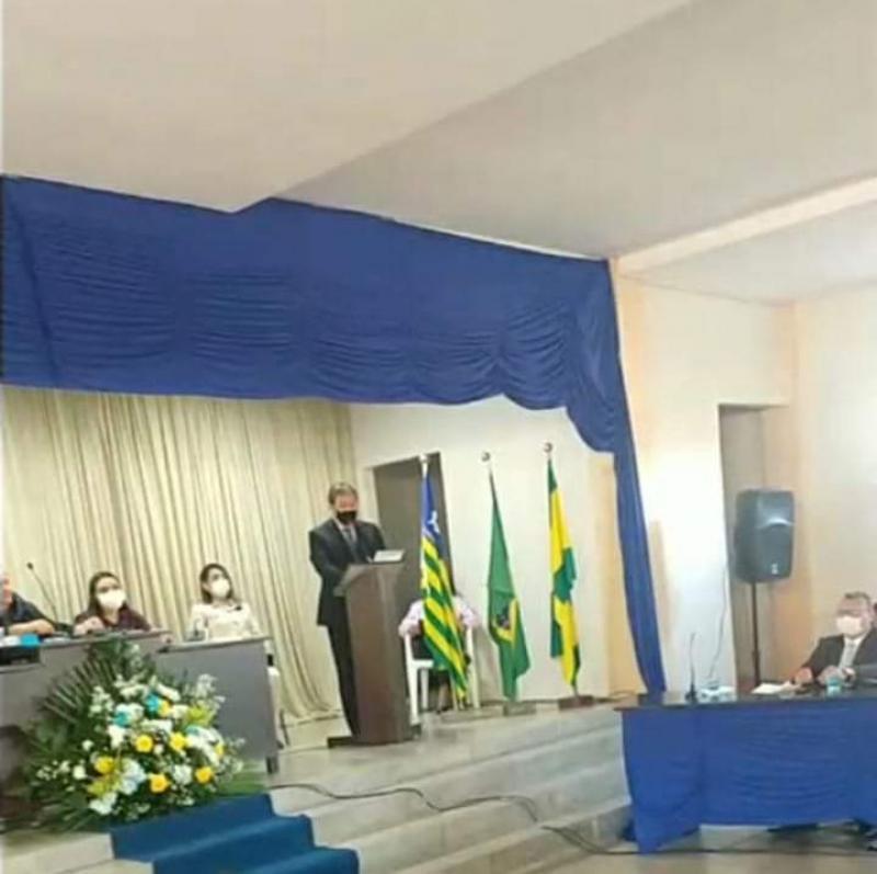 Gustavo Medeiros tomou posse em União como prefeito eleito
