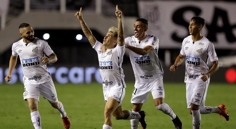 Santos atropela o Boca Juniors e fará final da Libertadores com o Palmeiras