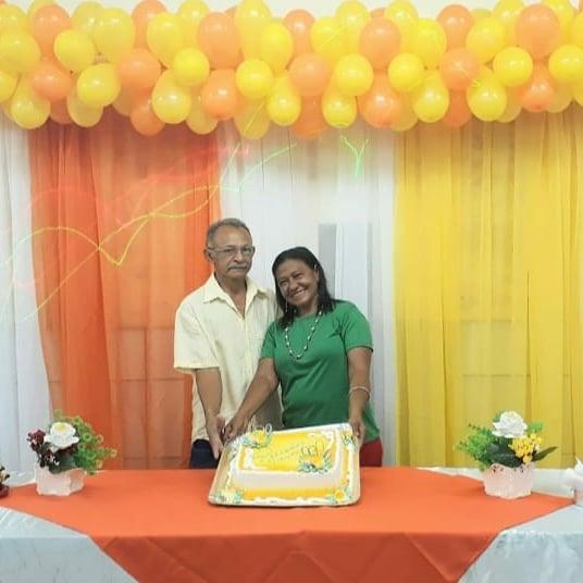 Homenagem: Unioenenses comemoram 33 anos vida matrimonial.