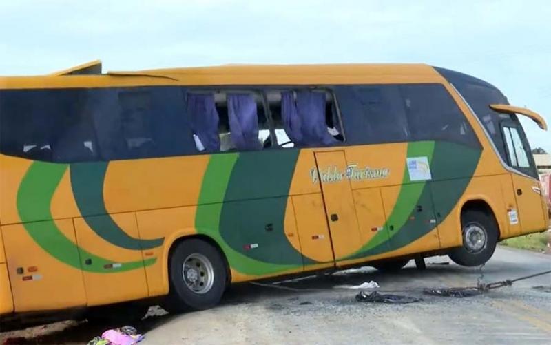 Corpos das 4 vítimas de acidente de ônibus na BR-135 são identificados e liberados