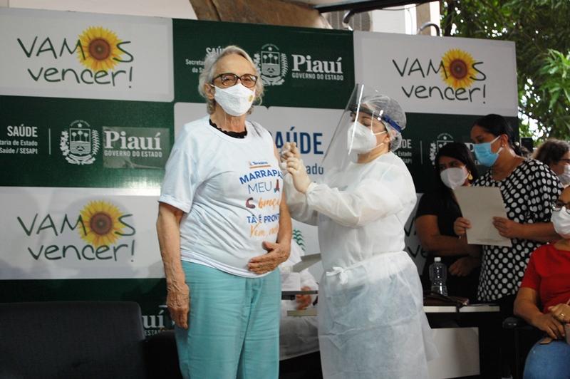 Vacinação contra a Covid-19 começa na quarta-feira (20) em Teresina