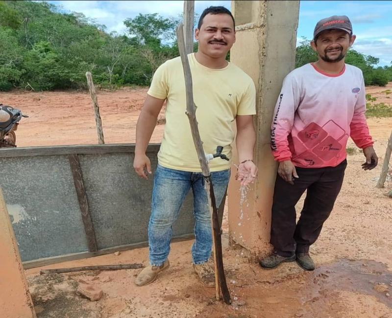 Vereador Henrique Guerra acompanha manutenção de poço tubular