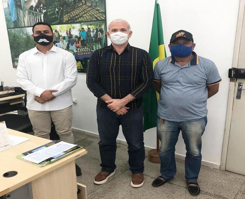Tiago Vasconcelos recebe Henrique Guerra no Incra e discute projetos
