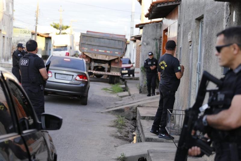 Polícia deflagra operação e cumpre mandados contra criminosos no Piauí