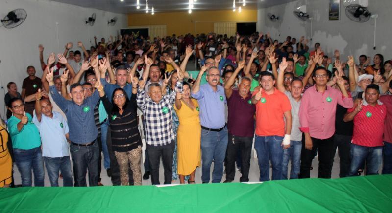 Pré-candidato Jaconias Morais reúne centenas de pessoas durante filiação em Timon