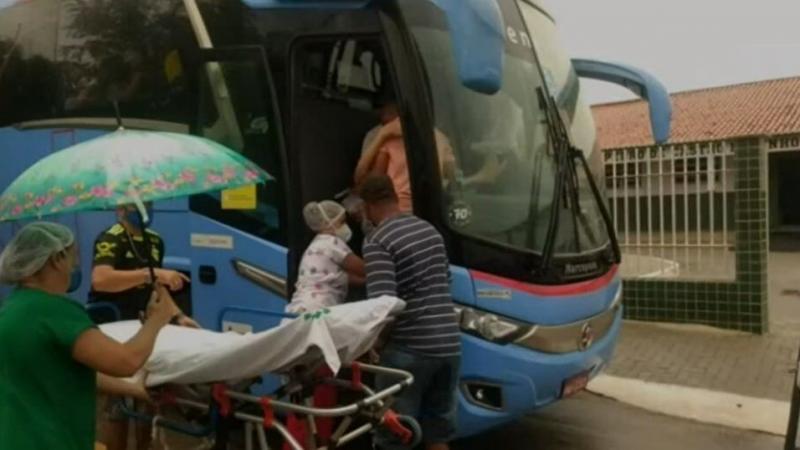 Grávida de gêmeos dá à luz enquanto viajava dentro de ônibus da Empresa Guanabara