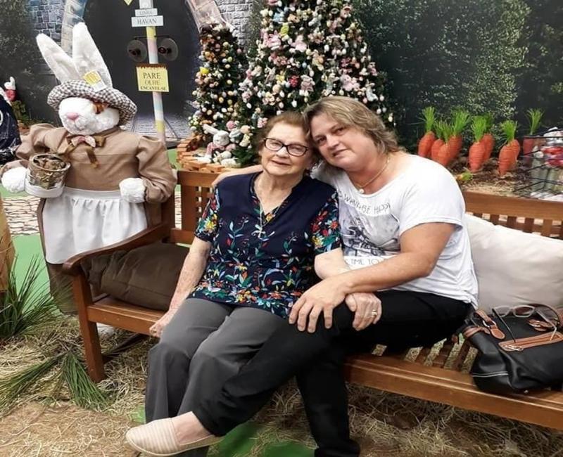 Coronavírus: Filha e mãe morrem em menos de uma semana