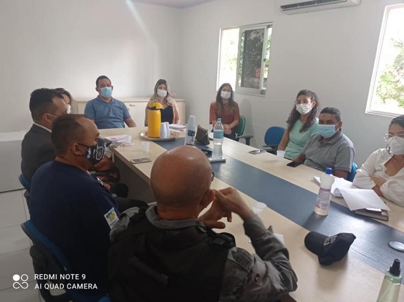 Demerval Lobão | Prefeito se reúne com Comitê de Combate à Covid no município