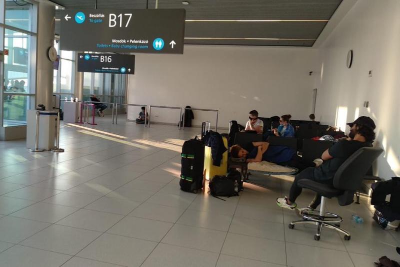 Por causa do Coronavírus, piauiense que mora na Hungria está presa no aeroporto de Budapeste