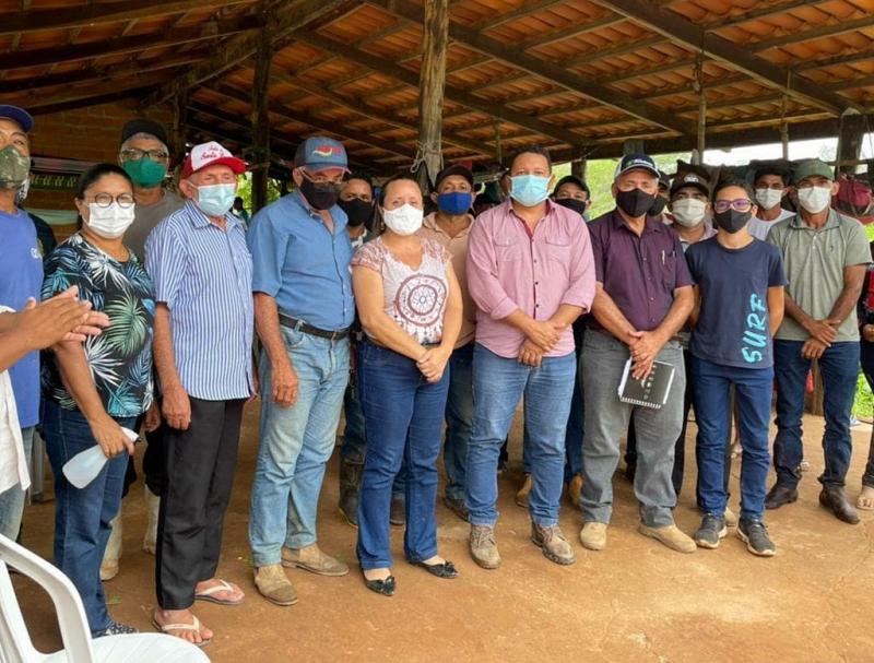 Prefeito Lécio Gustavo discute demanda com produtores agropecuários