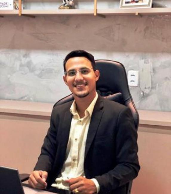 Advogado yago Kelvin alerta sobre pensão alimenticia e ostentação em redes sociais